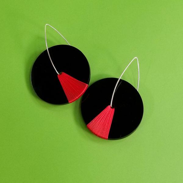 Kinetic Black- Red