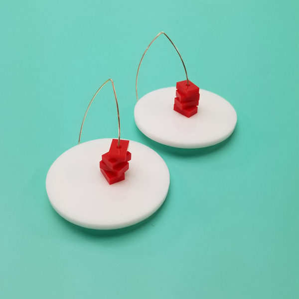 Saucer_ White - Red